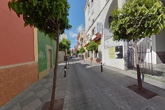 Piso en venta en San García, Algeciras, Cádiz, Calle Duque de Almodovar, 56.202 €, 3 habitaciones, 1 baño, 118 m2