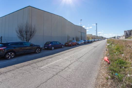Industrial en venta en Zuera, Zuera, Zaragoza, Calle Reino Unido, 691.000 €, 49 m2