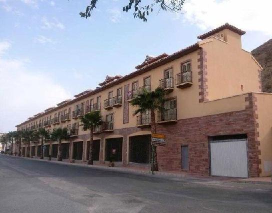Piso en venta en Zurgena, Almería, Avenida 19 de Octubre, 67.700 €, 3 habitaciones, 2 baños, 108 m2