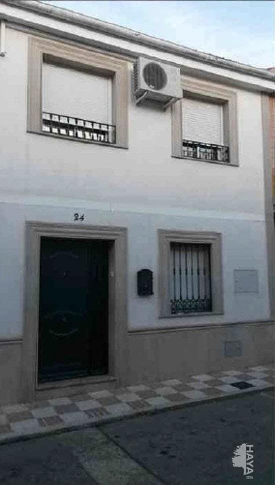 Casa en venta en La Carolina, Jaén, Calle Alcazar de Toledo, 51.800 €, 3 habitaciones, 2 baños, 61 m2