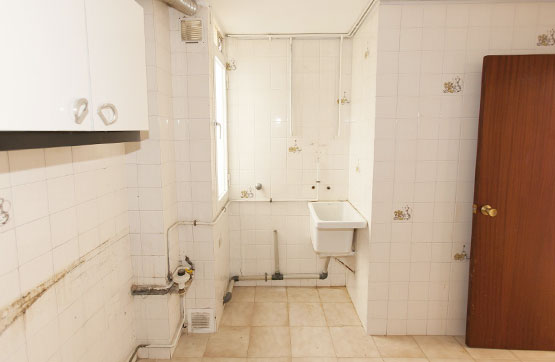 Piso en venta en Piso en Oroso, A Coruña, 57.400 €, 3 habitaciones, 1 baño, 230 m2
