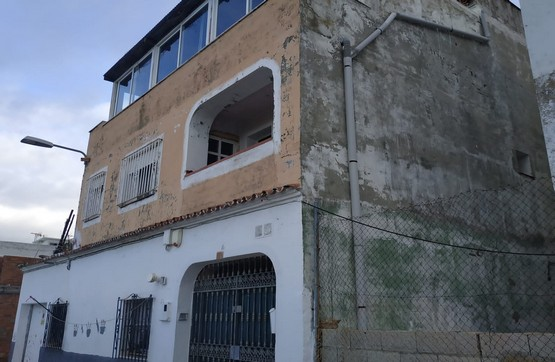 Piso en venta en Algeciras, Cádiz, Calle Deportes, 57.530 €, 2 habitaciones, 2 baños, 116 m2