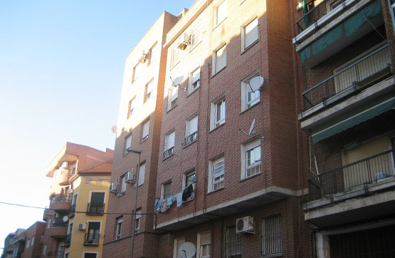 Piso en venta en Barrio de Santa Maria, Talavera de la Reina, Toledo, Calle Olivares, 30.500 €, 3 habitaciones, 1 baño, 89 m2