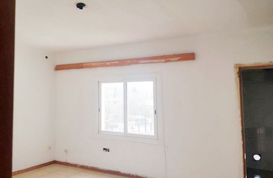 Piso en venta en Piso en Santa Coloma de Farners, Girona, 70.400 €, 3 habitaciones, 1 baño, 93 m2