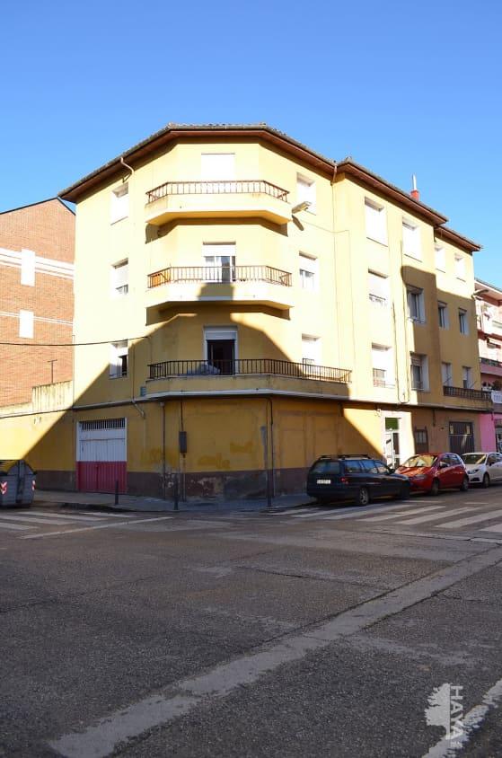 Piso en venta en La Llama, Torrelavega, Cantabria, Calle Calderon Barca, 62.000 €, 3 habitaciones, 1 baño, 87 m2