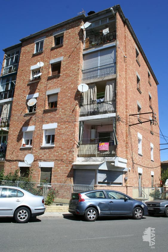 Piso en venta en Cervera, Lleida, Calle Estadi, 58.000 €, 3 habitaciones, 1 baño, 116 m2