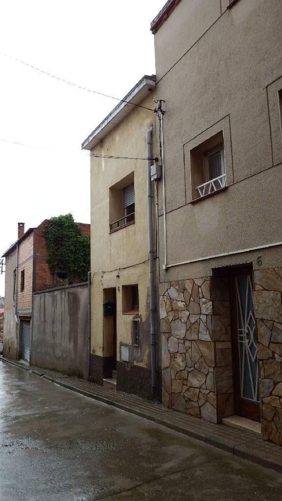 Casa en venta en La Colònia, Calaf, Barcelona, Calle Ravalet, 53.100 €, 3 habitaciones, 1 baño, 138 m2