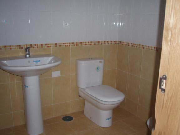 Piso en venta en Piso en Almoradí, Alicante, 66.000 €, 2 baños, 117 m2