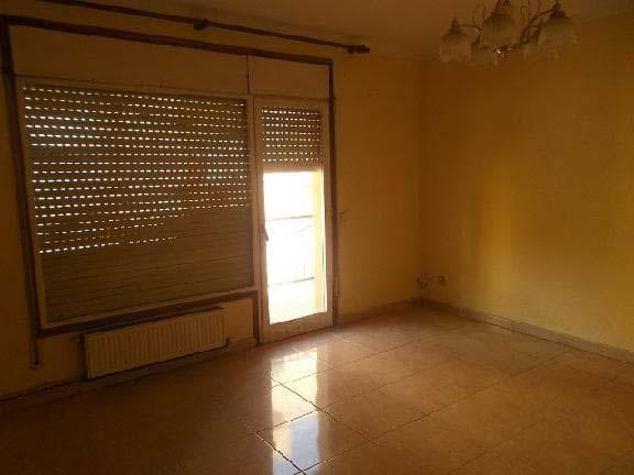 Piso en venta en Piso en Figueres, Girona, 83.100 €, 4 habitaciones, 1 baño, 111 m2
