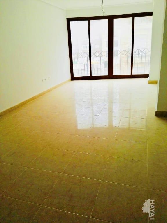Piso en venta en Piso en Pilar de la Horadada, Alicante, 83.000 €, 3 habitaciones, 1 baño, 95 m2, Garaje