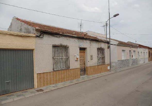 Casa en venta en Casa en Orihuela, Alicante, 65.300 €, 3 habitaciones, 1 baño, 131 m2