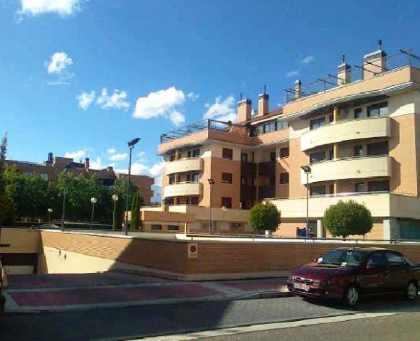 Piso en venta en Ávila, Ávila, Calle Conde Don Ramon, 57.000 €, 3 habitaciones, 1 baño, 96 m2