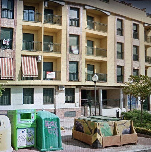 Piso en venta en Distrito Bellavista-la Palmera, Valdepeñas, Ciudad Real, Avenida Primero de Julio, 97.000 €, 3 habitaciones, 119 m2