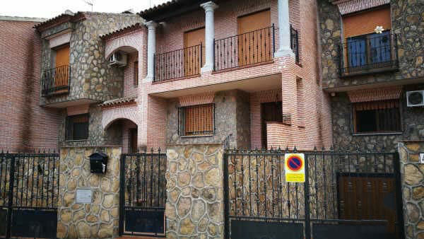 Casa en venta en Casa en Cazalegas, Toledo, 106.000 €, 4 habitaciones, 2 baños, 174 m2