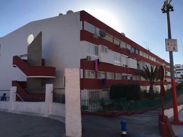 Piso en venta en San Fernando, San Bartolomé de Tirajana, Las Palmas, Avenida Galdar, 93.000 €, 3 habitaciones, 1 baño, 80 m2