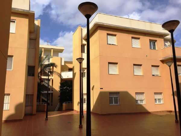 Piso en venta en Vera, Almería, Calle Celia Viñas, 75.600 €, 3 habitaciones, 1 baño, 113 m2