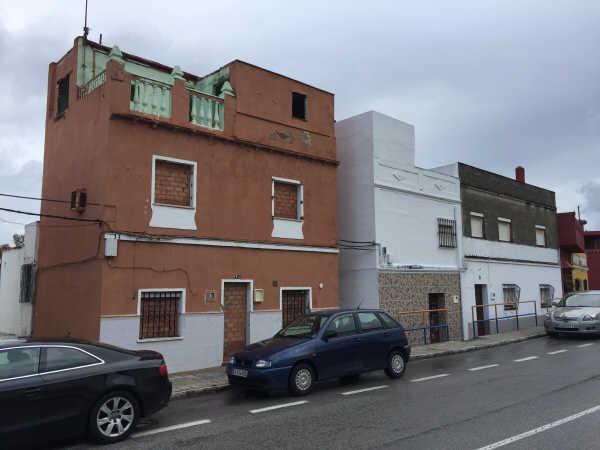Casa en venta en San García, Algeciras, Cádiz, Calle Andalucía, 25.778 €, 3 habitaciones, 1 baño, 75 m2