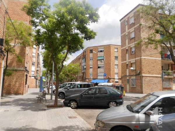 Piso en venta en Ca N`ustrell, Sabadell, Barcelona, Calle Valencia, 81.700 €, 3 habitaciones, 1 baño, 67 m2