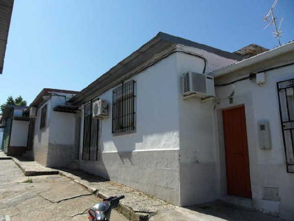 Casa en venta en Los Colorines, Badajoz, Badajoz, Calle Halcon, 35.700 €, 3 habitaciones, 1 baño, 53 m2