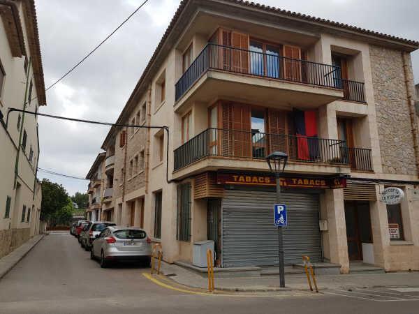 Piso en venta en Pollença, Baleares, Calle Ramon Llull, 267.600 €, 3 habitaciones, 2 baños, 158 m2