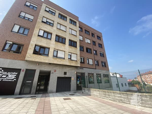 Piso en venta en El Cristo Y Buenavista, Oviedo, Asturias, Calle Marcelino Suarez, 160.000 €, 112 m2