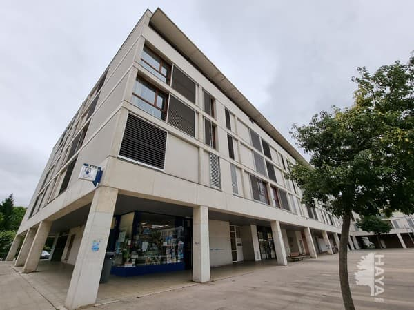 Piso en venta en Berriozar, Navarra, Plaza Donantes de Navarra, 124.000 €, 2 habitaciones, 1 baño, 78 m2