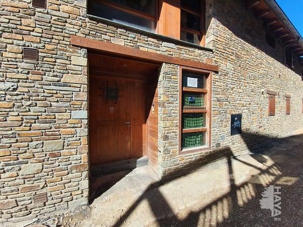 Piso en venta en Alp, Girona, Calle de la Font, 225.000 €, 3 habitaciones, 1 baño, 112 m2