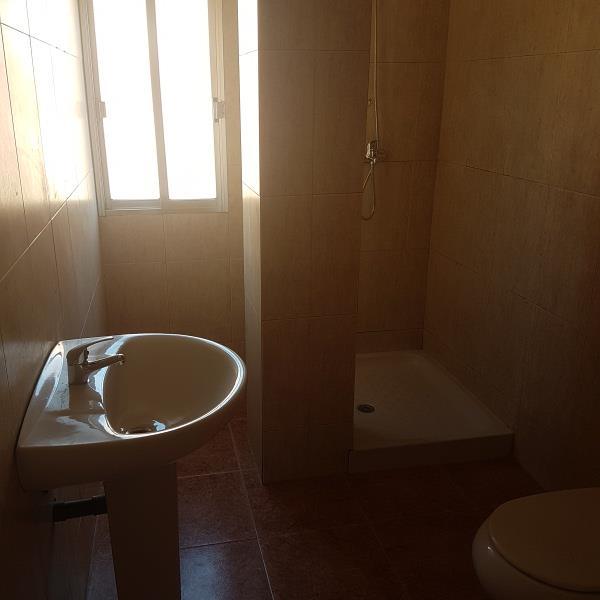 Piso en venta en Piso en Almería, Almería, 84.000 €, 3 habitaciones, 1 baño, 100 m2