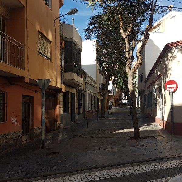Piso en venta en Piso en Almería, Almería, 61.000 €, 3 habitaciones, 1 baño, 94 m2