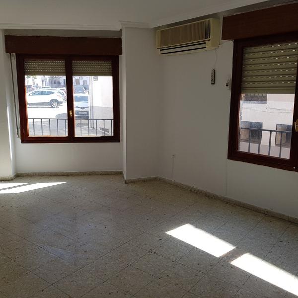 Piso en venta en Malpartida de Plasencia, Malpartida de Plasencia, Cáceres, Calle Ramon Muñoz, 88.000 €, 4 habitaciones, 2 baños, 153 m2