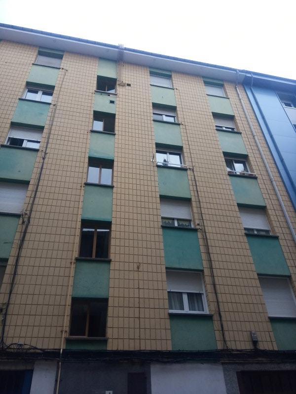 Piso en venta en Distrito Sur, Gijón, Asturias, Calle Gamboa, 64.000 €, 2 habitaciones, 1 baño, 75 m2