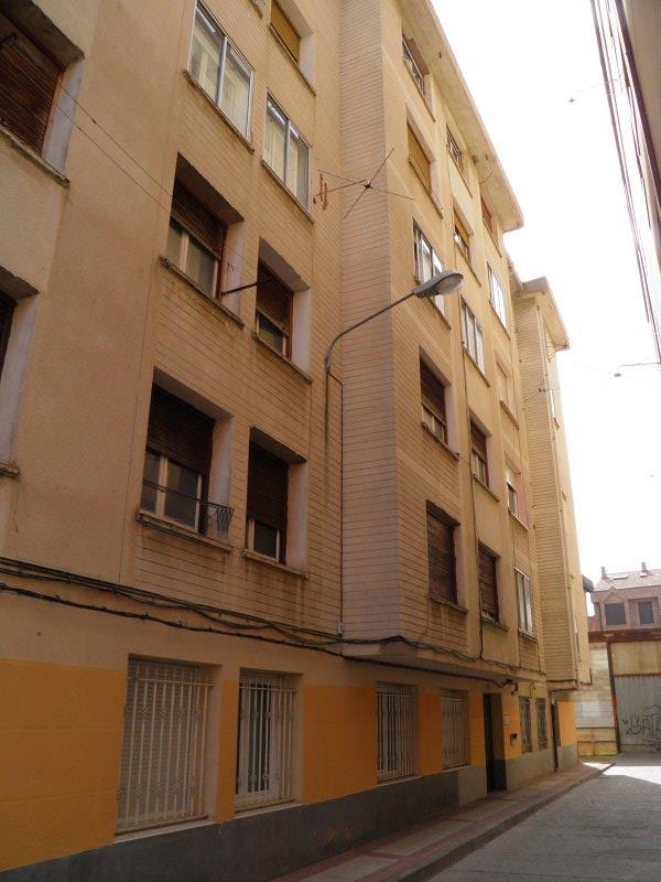 Piso en venta en Briviesca, Burgos, Calle Fray Justo Perez de Urbel, 25.000 €, 3 habitaciones, 1 baño, 94 m2