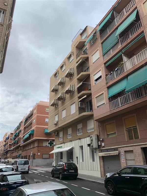 Piso en venta en Corts Valencianes, Elche/elx, Alicante, Calle Juan Diez Martinez, 66.305 €, 4 habitaciones, 1 baño, 109 m2