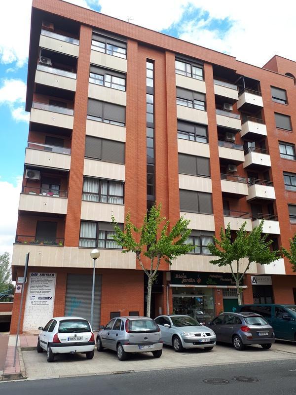 Local en venta en Logroño, La Rioja, Calle Tirso de Molina, 86.000 €, 87 m2