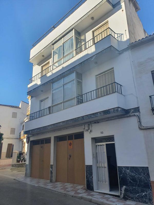 Piso en venta en Luque, Córdoba, Calle Alamos, 37.100 €, 3 habitaciones, 1 baño, 106 m2