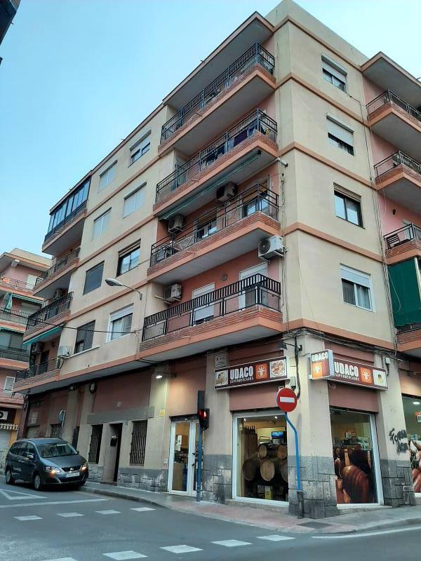 Piso en venta en Campoamor, Alicante/alacant, Alicante, Calle Cerda, 61.000 €, 3 habitaciones, 1 baño, 101 m2