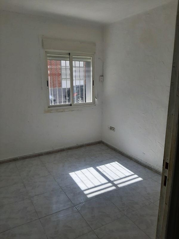 Piso en venta en Piso en San Vicente del Raspeig/sant Vicent del Raspeig, Alicante, 41.000 €, 3 habitaciones, 1 baño, 65 m2