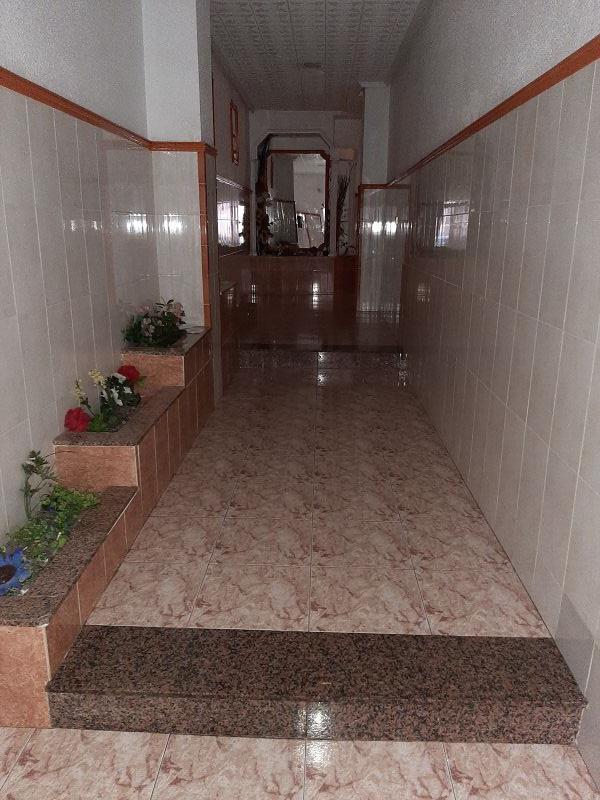 Piso en venta en Urbanización Calas Blancas, Torrevieja, Alicante, Calle Maldonado, 49.000 €, 3 habitaciones, 1 baño, 87 m2
