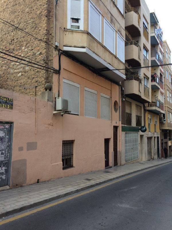 Piso en venta en San Antón, Alicante/alacant, Alicante, Calle San Carlos, 75.000 €, 4 habitaciones, 1 baño, 100 m2