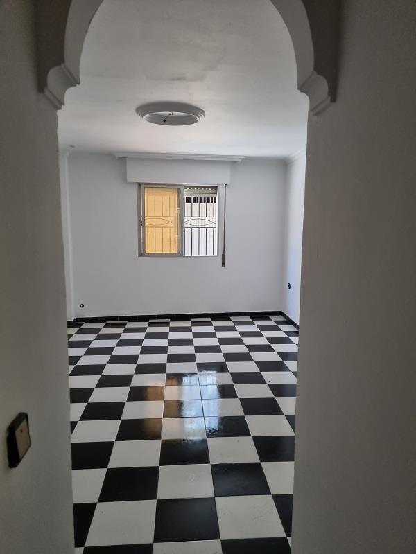 Piso en venta en Distrito Bellavista-la Palmera, Sevilla, Sevilla, Calle Caldereros, 84.000 €, 2 habitaciones, 1 baño, 71 m2