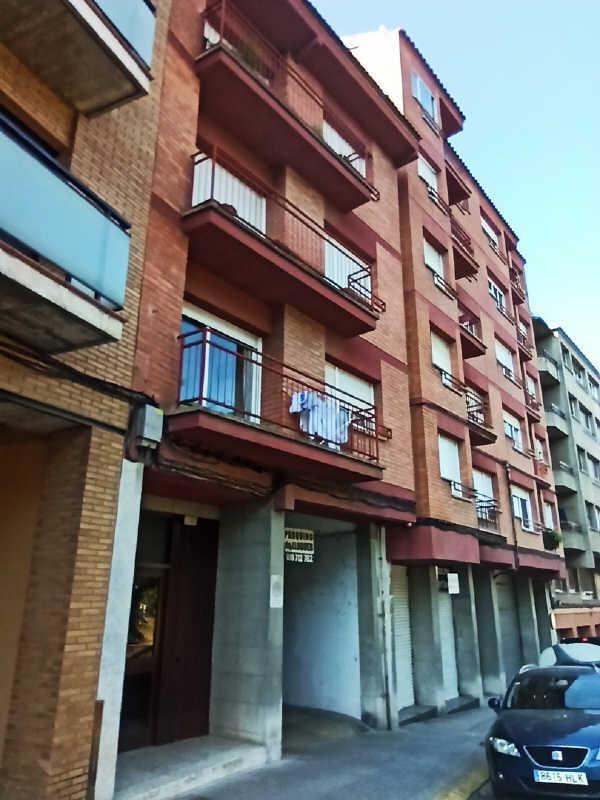 Piso en venta en Centre Històric de Manresa, Manresa, Barcelona, Calle Viladordis, 69.000 €, 3 habitaciones, 1 baño, 73 m2