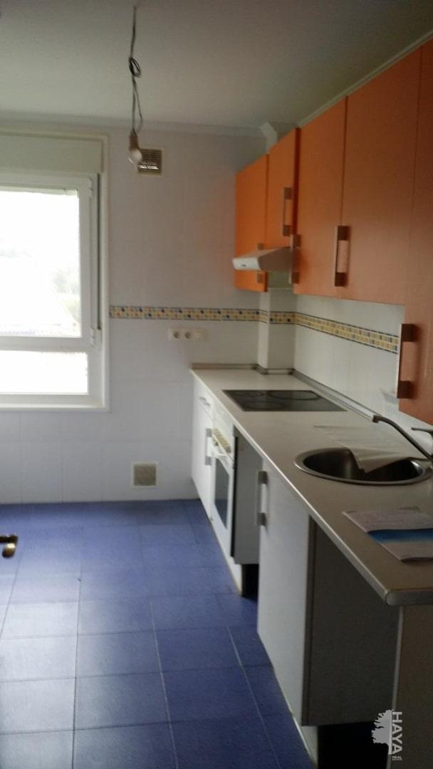 Piso en venta en Ribadesella, Asturias, Avenida Porqueros Los, 105.000 €, 2 habitaciones, 2 baños, 81 m2