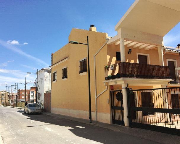 Piso en venta en Piso en Puente Genil, Córdoba, 95.000 €, 3 habitaciones, 1 baño, 125 m2
