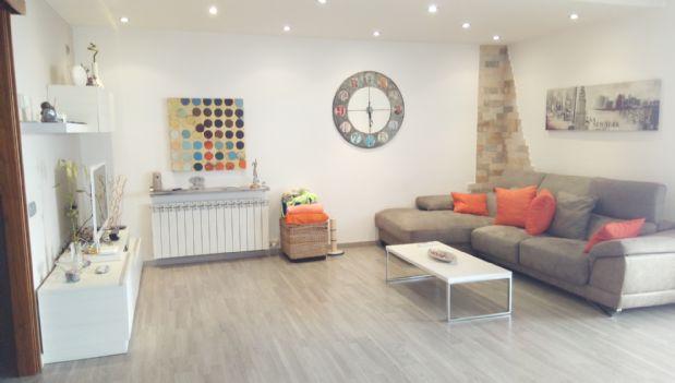 Casa en venta en El Pont de Vilomara I Rocafort, Barcelona, Calle Lleida, 272.000 €, 5 habitaciones, 4 baños, 269 m2