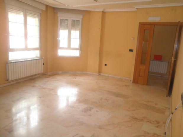 Casa en venta en Casa en Tomelloso, Ciudad Real, 200.000 €, 5 habitaciones, 2 baños, 240 m2