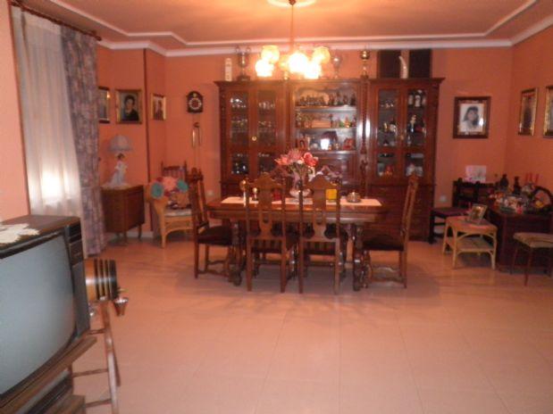 Casa en venta en Casa en Tomelloso, Ciudad Real, 250.000 €, 7 habitaciones, 2 baños, 300 m2
