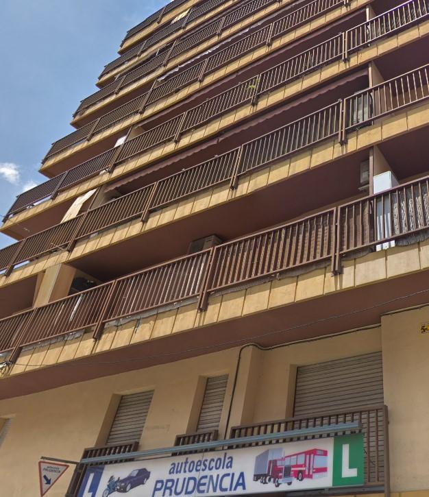 Piso en venta en Rubí, Barcelona, Calle Mare de Deu de Lourdes, 125.000 €, 3 habitaciones, 1 baño, 94 m2