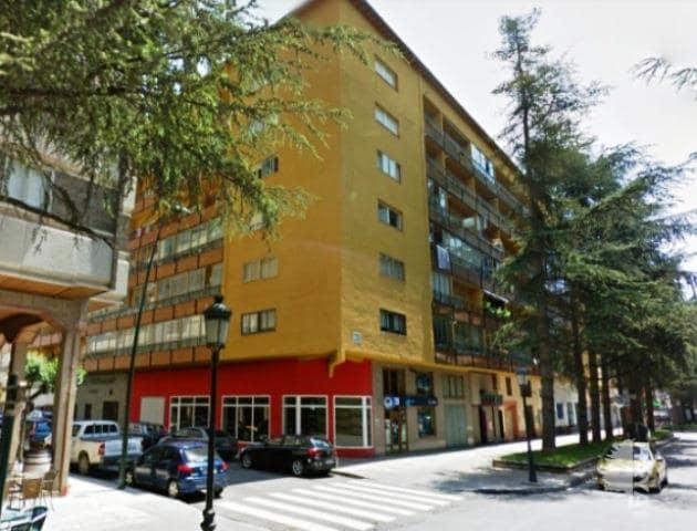 Piso en venta en Jaca, Huesca, Avenida Francia (de), 105.800 €, 3 habitaciones, 2 baños, 87 m2