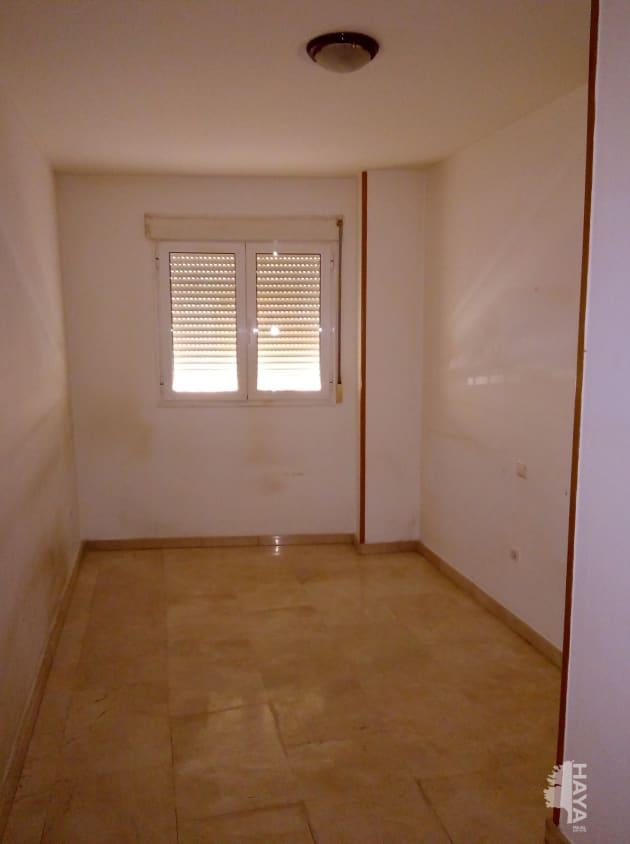 Piso en venta en Piso en Gandia, Valencia, 78.200 €, 2 habitaciones, 1 baño, 82 m2