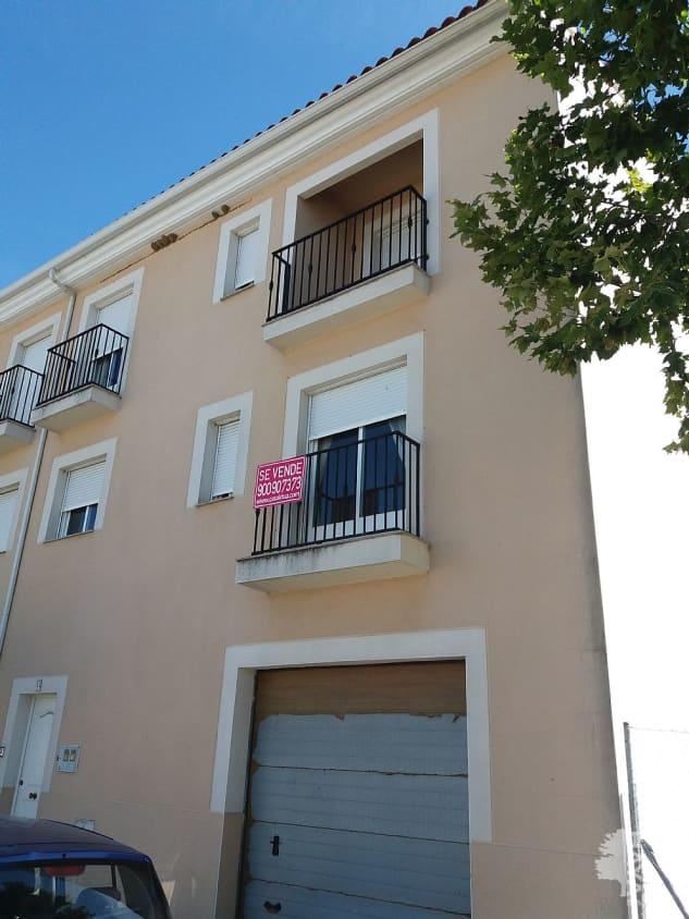 Casa en venta en Malpartida de Plasencia, Malpartida de Plasencia, Cáceres, Avenida Ciudad Plasenci, 96.000 €, 4 habitaciones, 1 baño, 215 m2